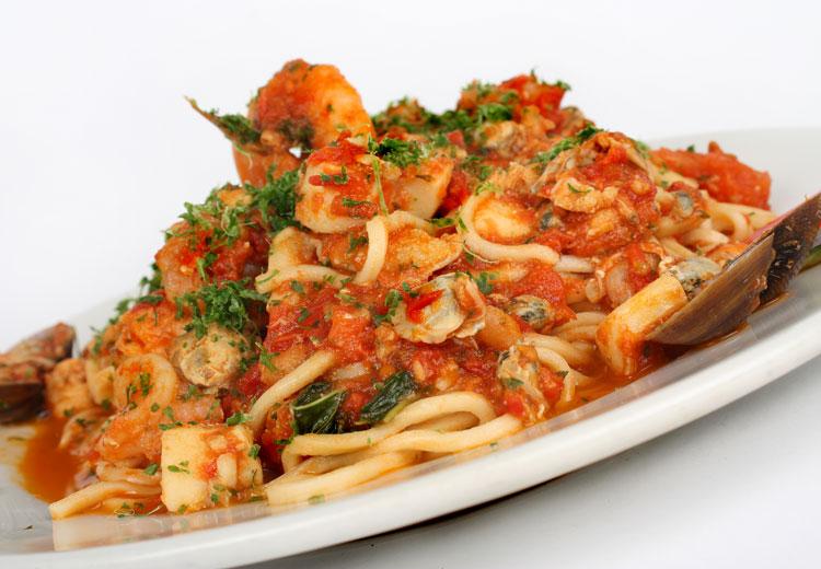 Spaguetti marinera pizza horno aguadulce for Hacer salsa marinera