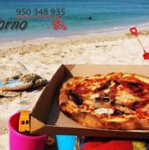 Pizza Horno te lleva la comida hasta la playa de Aguadulce